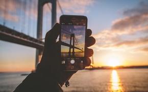 Картинка зима, пейзаж, закат, отражение, iPhone, рука, картина, Нью-Йорк, зеркало, перчатка, Соединенные Штаты, Ист-Ривер, Лонг-Айленд, Квинс, ...