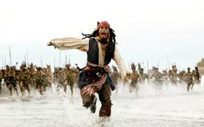 Обои Бег, Пираты Карибского моря, Море, Джек Воробей, Johnny Depp, Аборигены