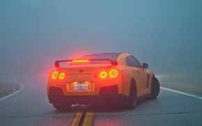 Картинка туман, R35, Nissan GTR, стоп-сигналы
