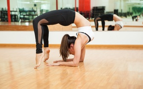 Картинка pose, workout, yoga, brunettte