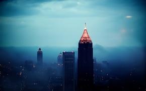 Картинка свет, город, огни, туман, высота, небоскребы, вечер
