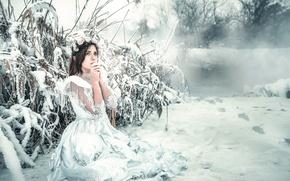 Обои Frozen, девушка, холод, Rozalina Yakimenko, снег, мороз, платье