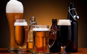 Обои пена, пиво, стаканы, бутылки, тёмное, светлое