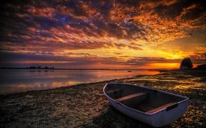 Картинка небо, закат, река, берег, лодка, обработка, зарево