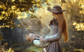 Картинка осень, радость, природа, женщина, шляпа, платье, малыш, мама, ребёнок, мать