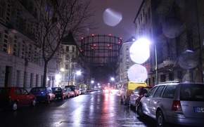 Картинка дорога, машины, ночь, дождь, дома, mighty gasholder in the rain at night