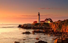 Обои море, маяк, дом, зарево, мыс, закат