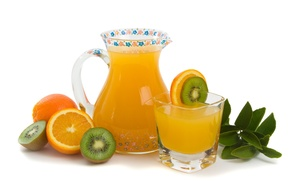 Обои свежесть, киви, графин, апельсин, сок, стакан