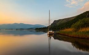 Картинка закат, озеро, холмы, лодка, вечер