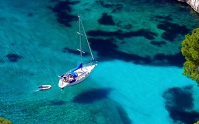 Обои вода, прозрачность, лодка, бухта, яхта, залив