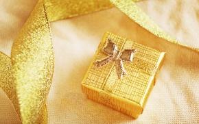 Картинка зима, праздник, коробка, подарок, Новый Год, Рождество, лента, Christmas, New Year, коробочка, золотая
