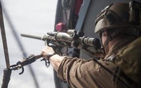 Картинка солдат, оптика, каска, снайперская винтовка