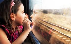 Картинка girl, mood, train, baby, reflection, looking, Child, wonder, stupor, tracks