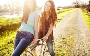 Картинка дорога, зелень, трава, девушка, солнце, счастье, природа, улыбка, фон, обои, настроения, весело, смех, тропа, позитив, …