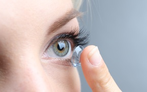 Картинка vision, eye, Fingers, contact lenses