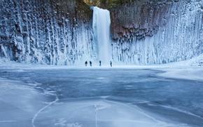 Обои водопад, люди, лед, зима