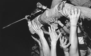 Обои руки, гитара, толпа, Kurt Cobain, слэм, музыкант