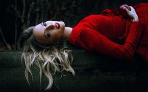 Картинка девушка, яблоко, макияж, в красном, Anne Hoffmann