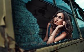 Картинка стекло, девушка, ситуация, разбитое окно