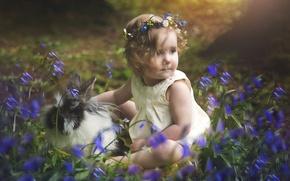 Обои детство, ребенок, кролик, девочка, колокольчики, венок