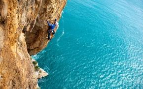 Картинка море, скалы, утес, альпинист
