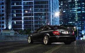 Картинка город, здания, Mercedes-Benz, black, AMG, rear, C63, C-Klasse