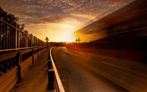 Картинка дорога, небо, солнце, свет, город, блики, забор, выдержка