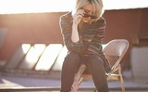 Картинка girl, woman, model, chair, tattoo, blonde, tattoos, female, Alysha Nett, sunglasses, roof, sun glasses, flannel