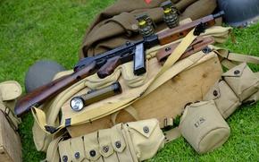Обои гранаты, Пистолет-пулемёт, амуниция, фонарик, Томпсона, оружие