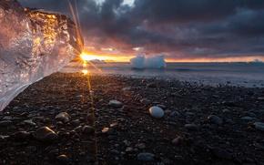 Картинка камни, берег, лёд, солнечный луч