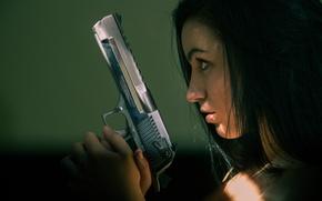 Картинка девушка, лицо, пистолет, оружие, профиль, Desert Eagle