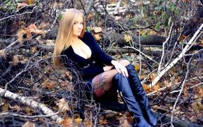 Картинка осень, лес, попка, грудь, девушка, поза, волосы, спина, животик, юбка, сапоги, руки, фигура, стройная, платье, ...