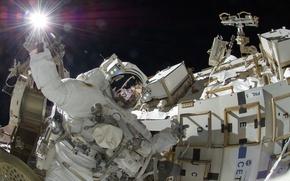 Картинка Солнце, скафандр, МКС, астронавт