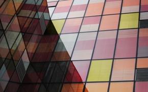 Картинка отражение, здание, тень, разноцветные, стекла, жалюзи
