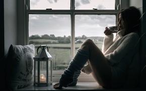 Картинка девушка, окно, чашка, ножки, гетры, cup of tea