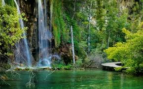 Обои Хорватия, водопад, мостки, озеро, Plitvice Lakes National Park, лес, скалы, камни