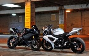 Картинка белый, мотоциклы, опоры, white, suzuki, yamaha, сузуки, ямаха, matte black, bikes, yzf-r1, gsx-r1000, чёрная матовая