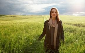 Картинка поле, небо, трава, девушка, актриса, блондинка, ирландия, Saoirse Ronan, Сирша Ронан