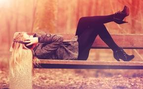 Картинка осень, свобода, девушка, скамейка, парк, музыка, настроение, отдых, music, наушники, лавочка, relax, скамья, уединение, headphones, ...