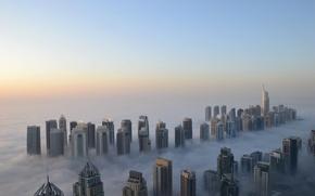 Картинка туман, высота, небоскребы, утро, Дубаи, прохлада
