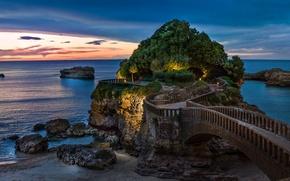 Картинка море, мост, скала, Франция, Атлантические Пиренеи, Роше-де-ла-Вьерж, Биарриц