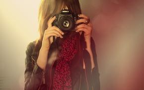 Картинка canon, фотоаппарат, челка, девушка, камера, кольца, объектив