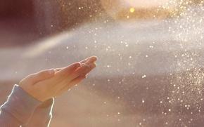 Картинка солнце, свет, брызги, блики, ветер, девочка, ладони