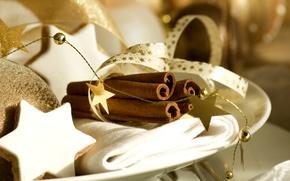 Картинка зима, звезды, ленты, игрушки, палочки, Новый Год, печенье, тарелка, Рождество, звёздочки, корица, Christmas, золотые, выпечка, …