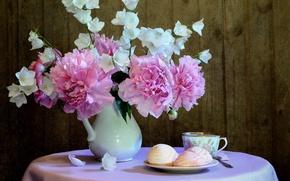 Картинка цветы, стол, чашка, ваза, колокольчики, десерт, скатерть, пионы