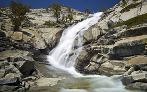 Обои водопад, небо, скалы, горы, деревья