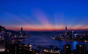 Картинка ночь, город, огни, здания, Гонконг, небоскребы, вечер, залив, Hong Kong, панорамма