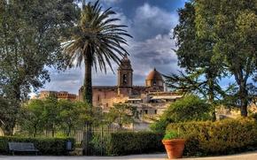 Картинка Сицилия, Италия, церковь, скамейка, деревья, Эриче, Church of San Giuliano, Erice, Sicily, забор, вазон, Italy