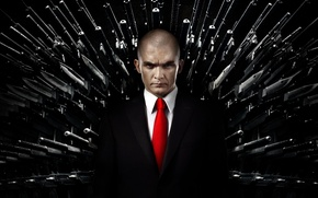 Картинка красный, оружие, черный, костюм, галстук, киллер, убийца, Rupert Friend, Хитмэн: Агент 47, Руперт Френд, Hitman: …