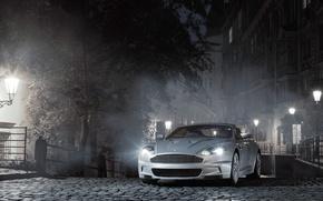 Обои Aston Martin, Огни, Туман, Ночь, Фонари, DB9, Мостовая